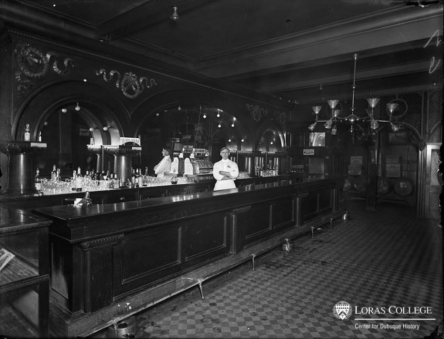 Julien Hotel Bar, 1912