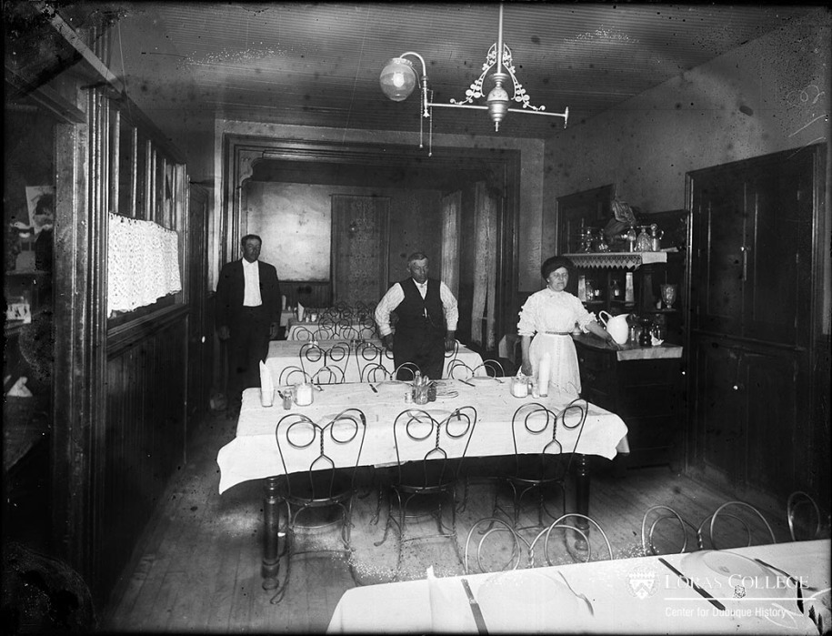 Boarding house dining room, 1912