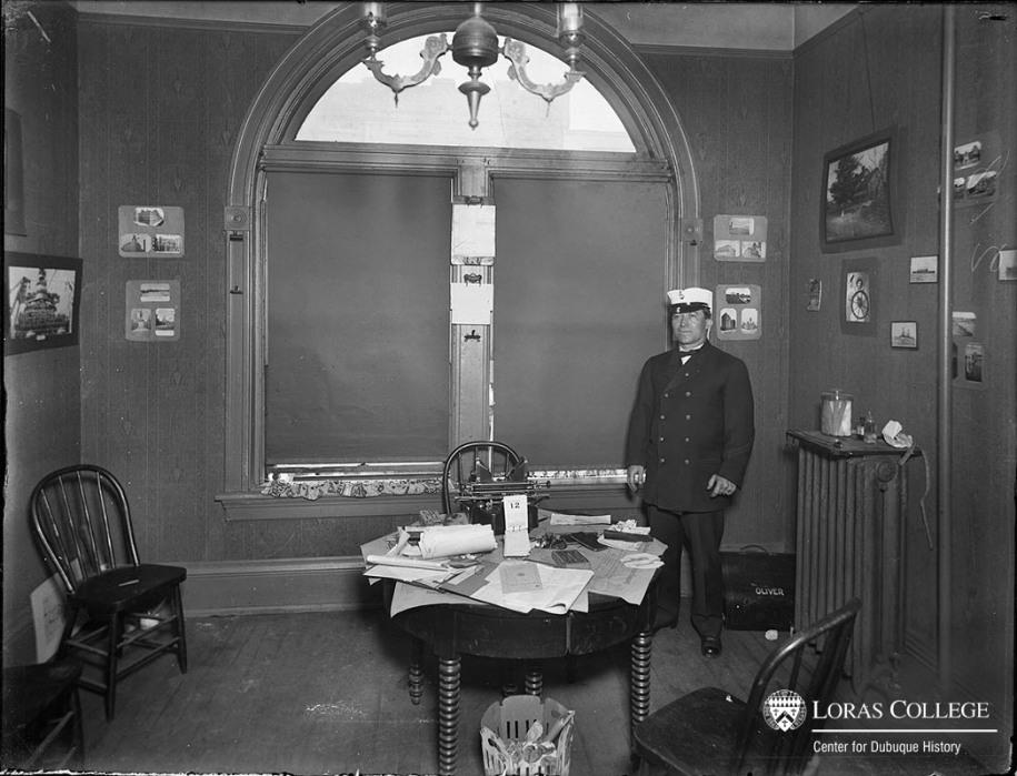 Transportation office, 1912