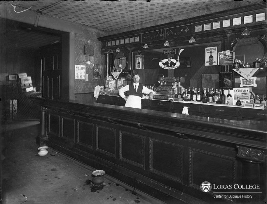 Hos Tavern, 1912