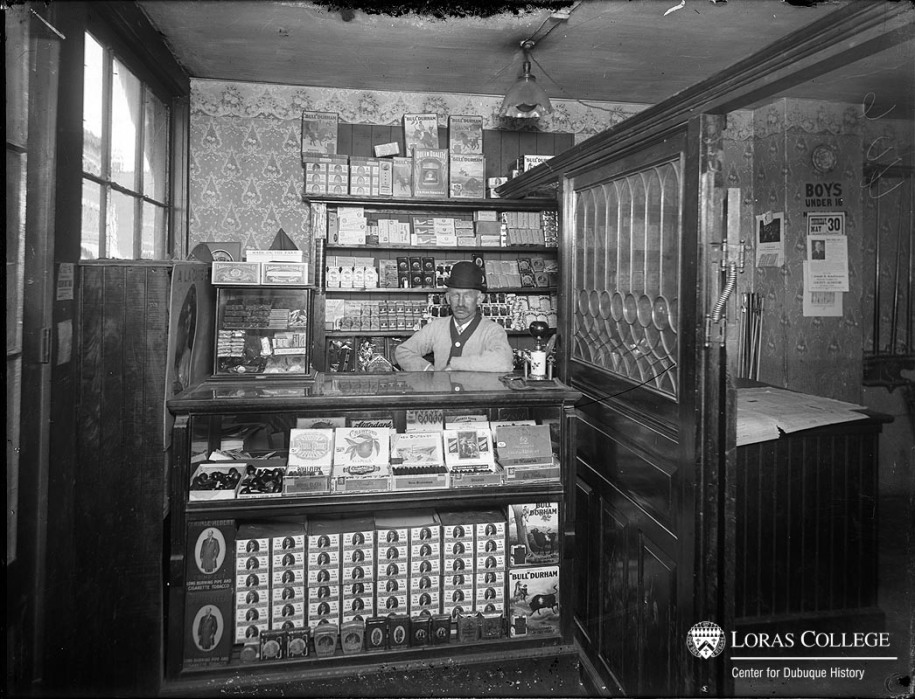 Cigar stand, 1912