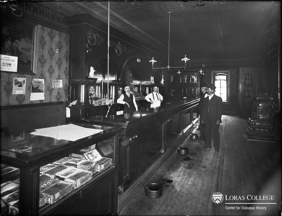 Tavern, 1912