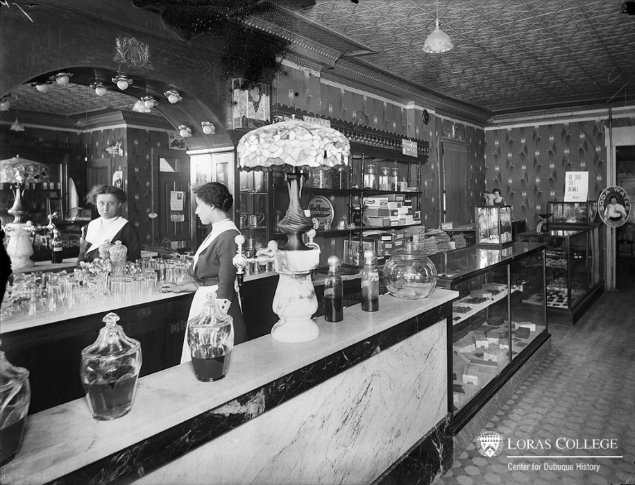 Soda fountain, 1912