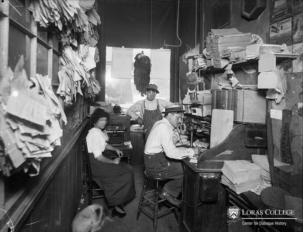 Office at Hanson Brothers Grocery, Dubuque, Iowa, 1912.